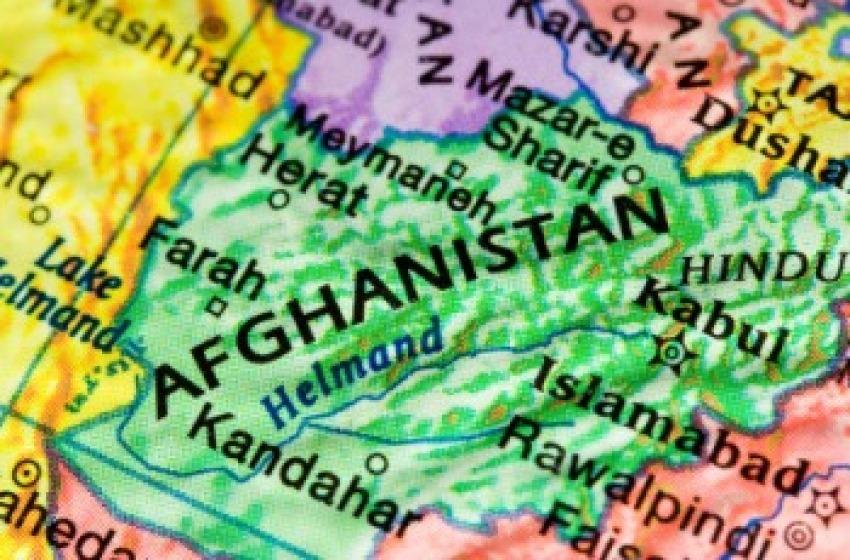 Afghani a passeggio sull'A14