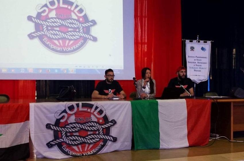 Gli attivisti di Solidarité Identités si raccontano a Pescara