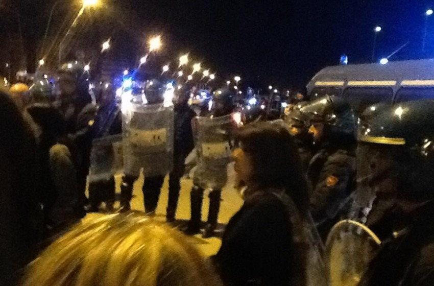 Senegalesi sgomberati di notte dalla Stazione. Pescara esulta per il ripristino della legalità