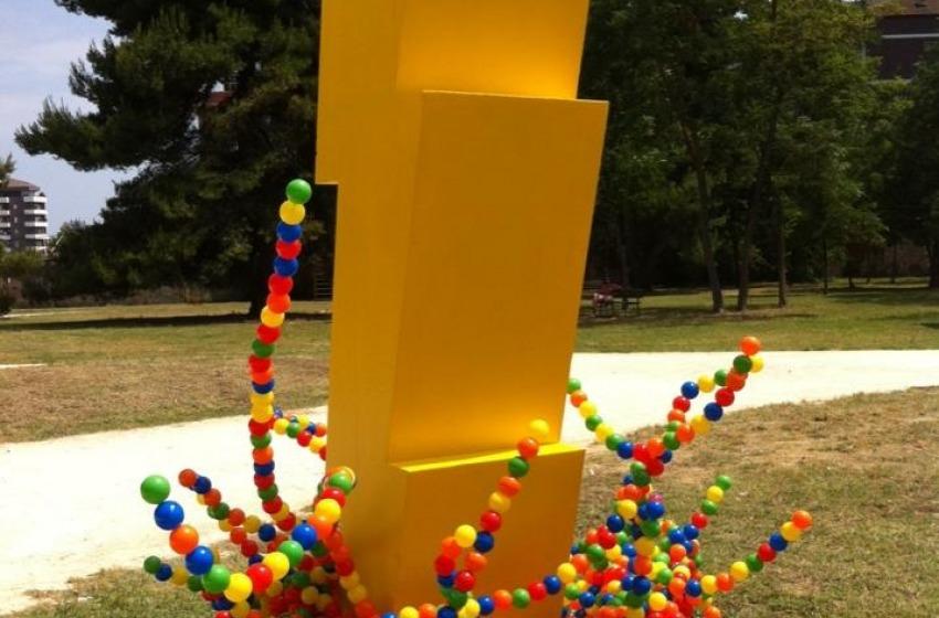 Giallo all'IndieRocket Festival, rubata al Parco Di Cocco l'opera d'arte di Zino