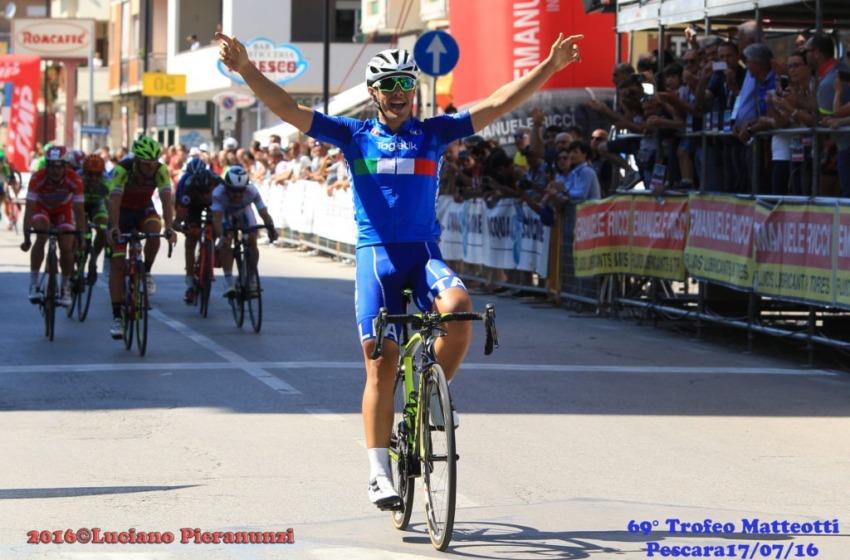 Il ciclista Vincenzo Albanese vince la 69/a edizione del Trofeo Matteotti