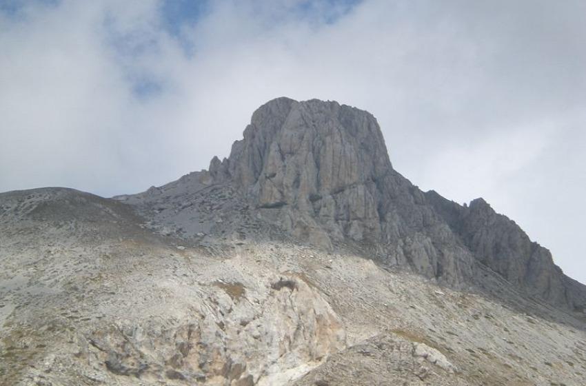 Tragedia in Alta quota: due noti ed esperti alpinisti precipitano dal Monte Camicia