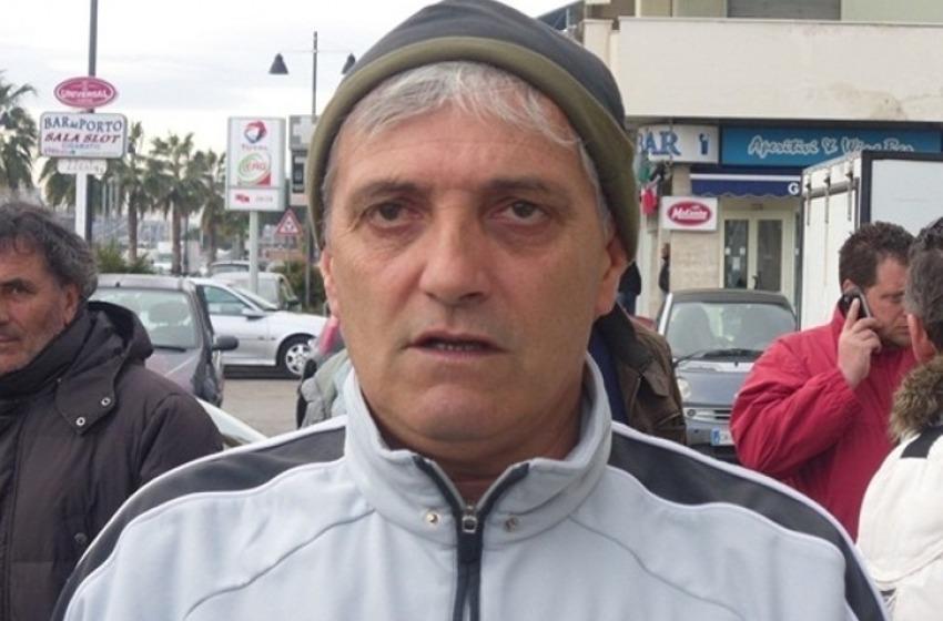 Sisma: la marineria pescarese porta pesce a Pescara del Tronto