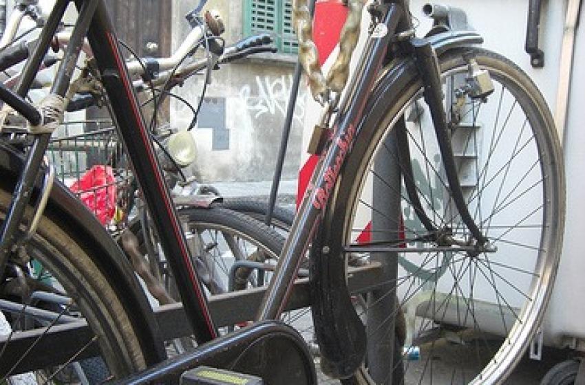 A proposito di bici attaccate ...