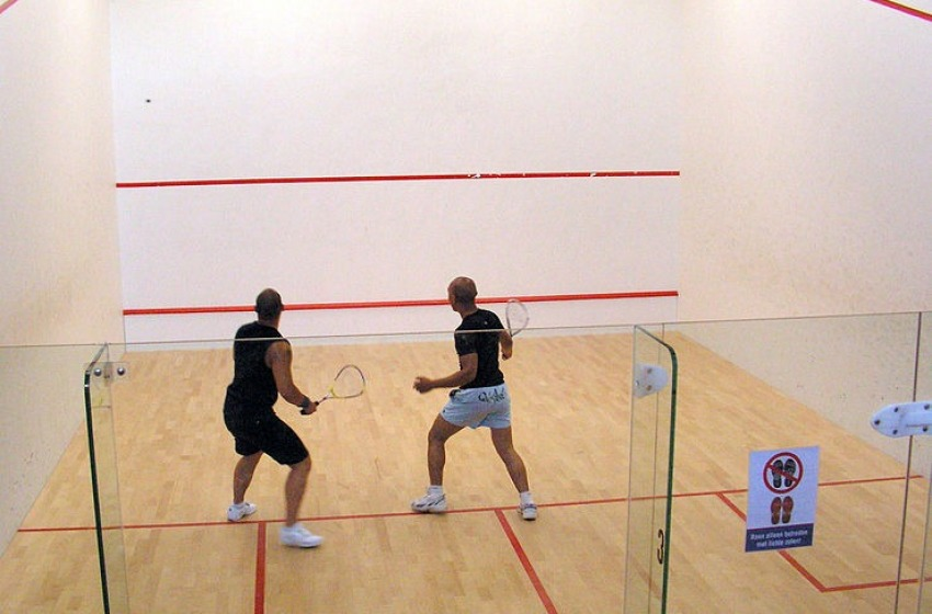 Lo Squash è considerato uno degli sport più salutari e affascinanti. Ma in Abruzzo si gioca poco