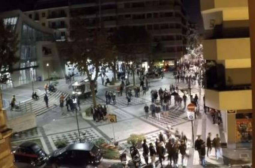 """Alessandrini firma l'ordinanza """"anti-bivacco"""" per la zona del Mercato di Piazza Muzii"""