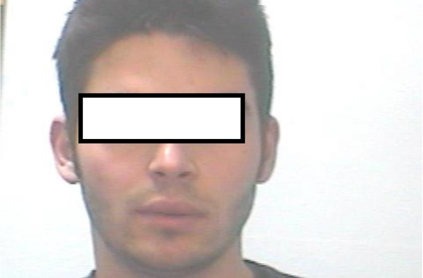 """Una 'soffiata' porta in carcere 28enne protagonista del """"terrore"""" nelle notti pescaresi"""