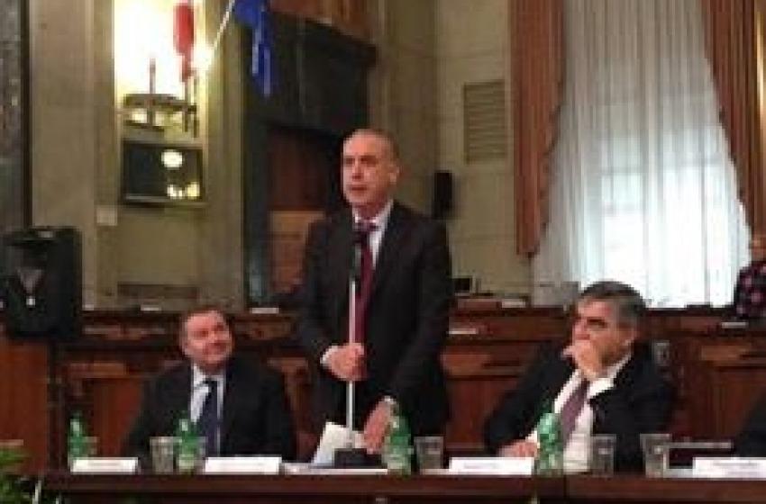 """Imprese: l'Abruzzo diventa """"Regione Facilissima"""" con la legge anti-burocrazia"""