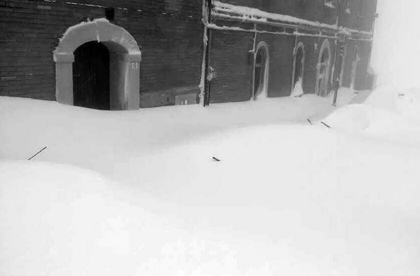Abruzzo: arriva l'Esercito per l'emergenza neve. Ancora 160mila case senza corrente
