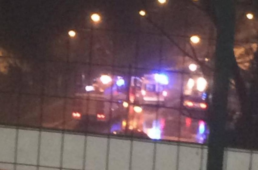 Via della Pineta: albero crolla su automobile, in ospedale uomo di 47 anni