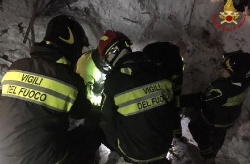 Sono undici i sopravvissuti, sei  i corpi senza vita recuperati e 23 i dispersi segnalati