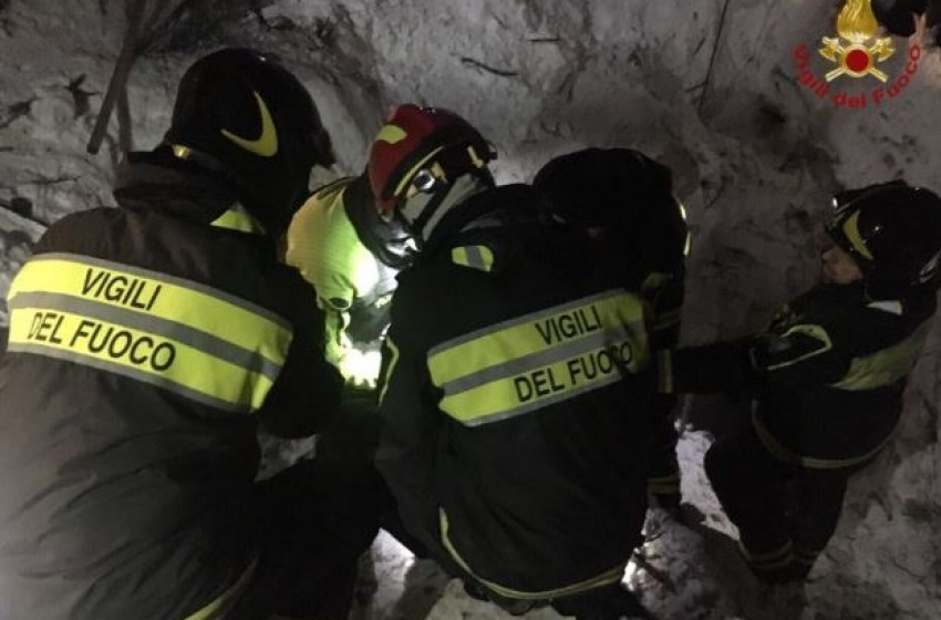 Hotel Rigopiano, 21 corpi recuperati dalle macerie. Si cercano ancora 8 dispersi