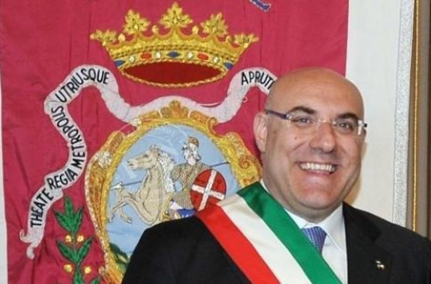 Il sindaco di Chieti pronto a lasciare la 'fascia tricolore' in caso di mancato ristoro dei danni