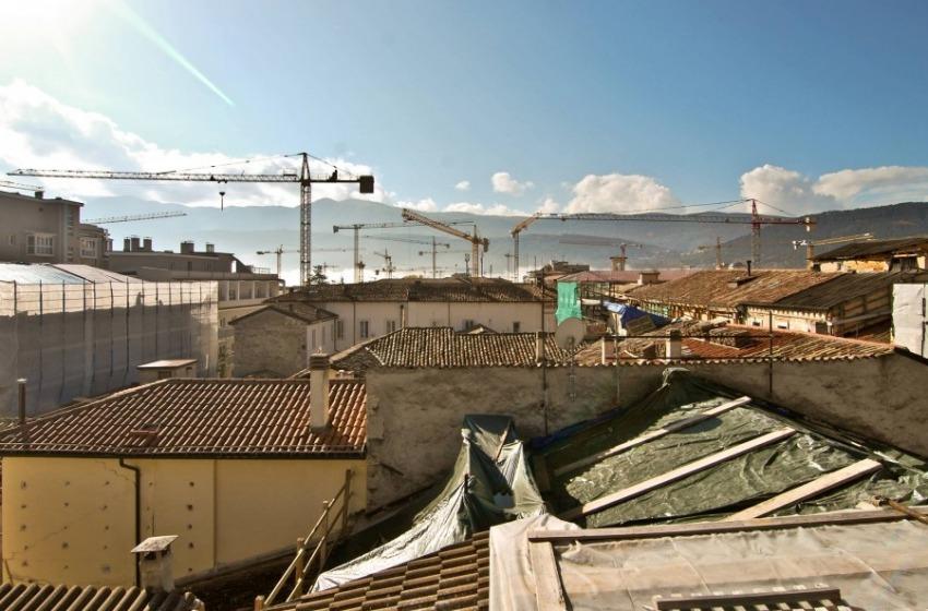 Nove imprenditori casertani arrestati dalla DDA di L'Aquila con accuse gravissime