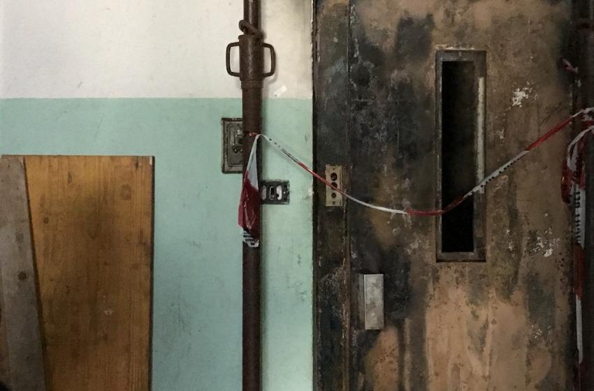 Sopralluogo del Comune negli alloggi Ater di via Rio Sparto andati a fuoco