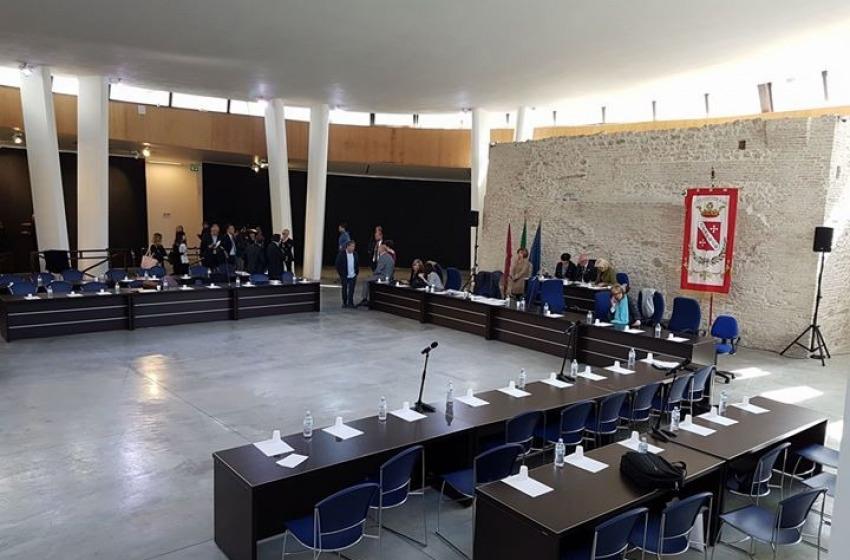 Teramo: il sindaco Brucchi non ha i numeri e azzera la giunta, la città presto al voto?