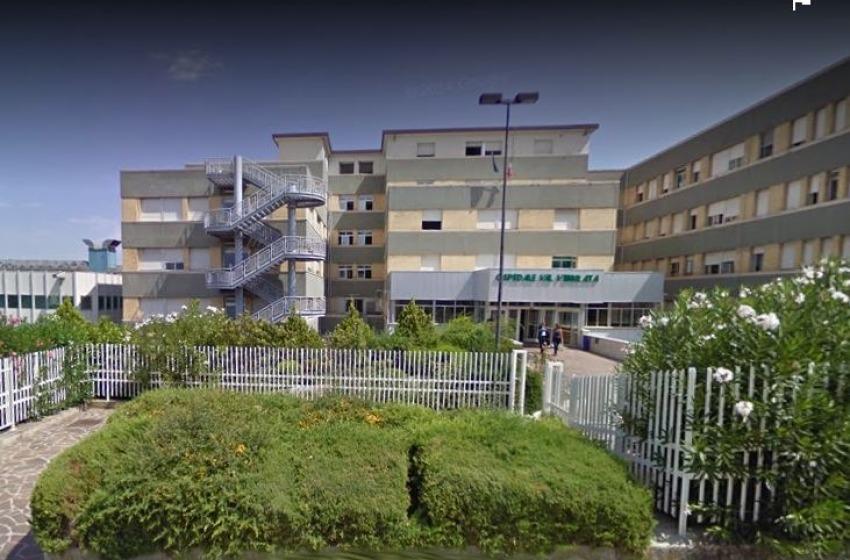 Altro orrore in Abruzzo: dottoressa accoltellata nel parcheggio dell'Ospedale di Sant'Omero
