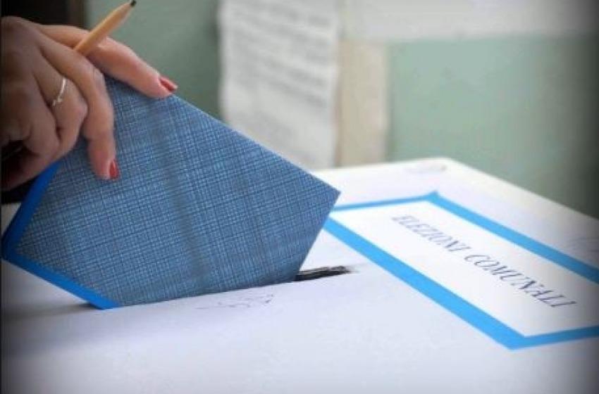 Domenica si vota per eleggere il sindaco di L'Aquila, Avezzano, Martinsicuro e Ortona