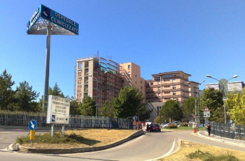 Studentessa universitaria fuorisede ricoverata per meningite all'ospedale di Chieti