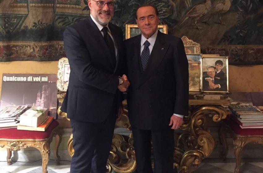 ll sindaco di Chieti Umberto Di Primio annuncia la sua adesione a Forza Italia