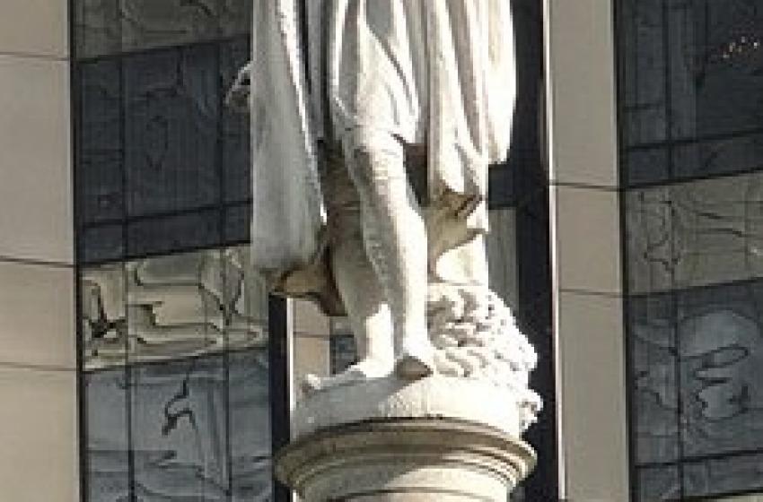 Il sindaco di New York contro Cristoforo Colombo: via la sua statua da Manhattan