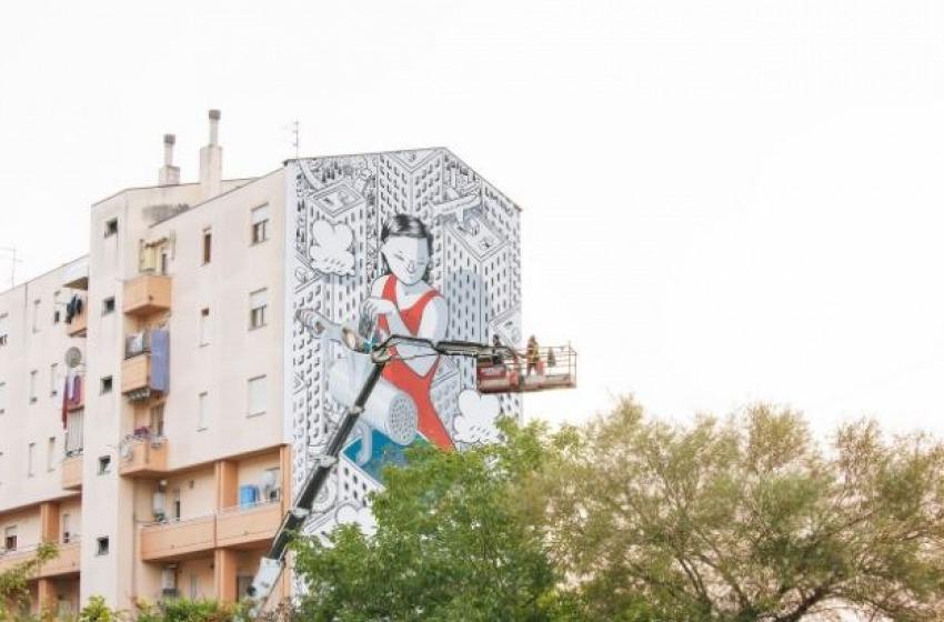 """Millo ha concluso l'opera a Fontanelle. Si intitola """"Dream"""" il muro di via Caduti per Servizio"""
