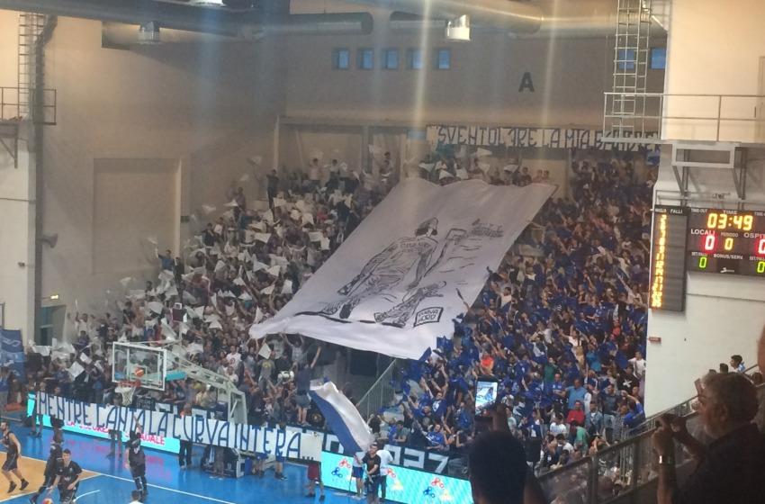 Nei guai 19 'squali' del Roseto Basket per tentata aggressione ai tifosi del Forlì