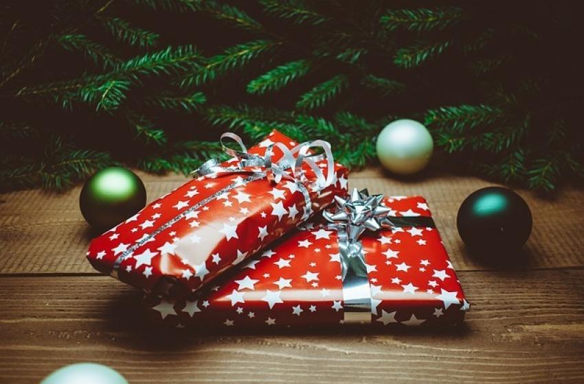 Idee regalo per lei: come sorprenderla questo Natale