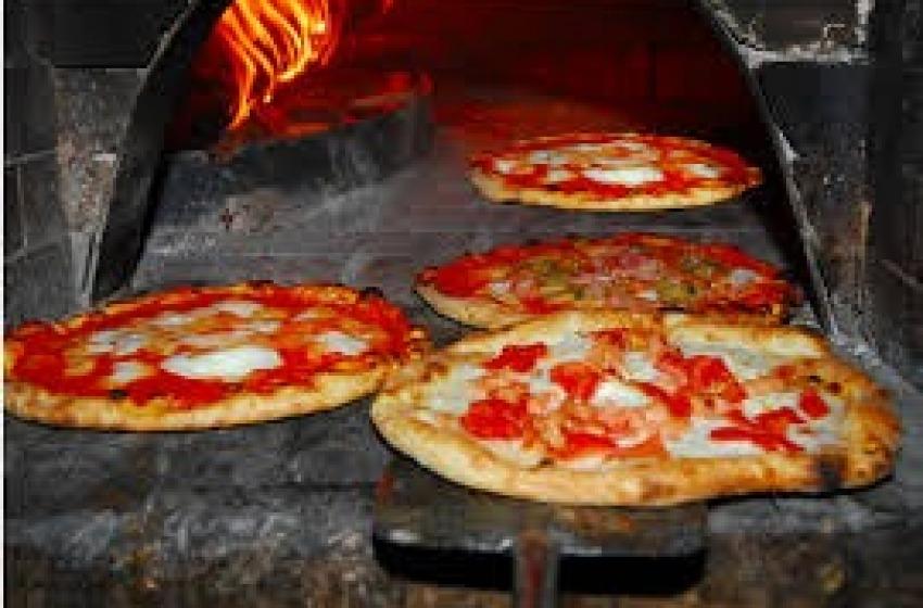 """""""L'Arte del Pizzaiuolo Napoletano"""" è stata inserita nel Patrimonio Unesco"""