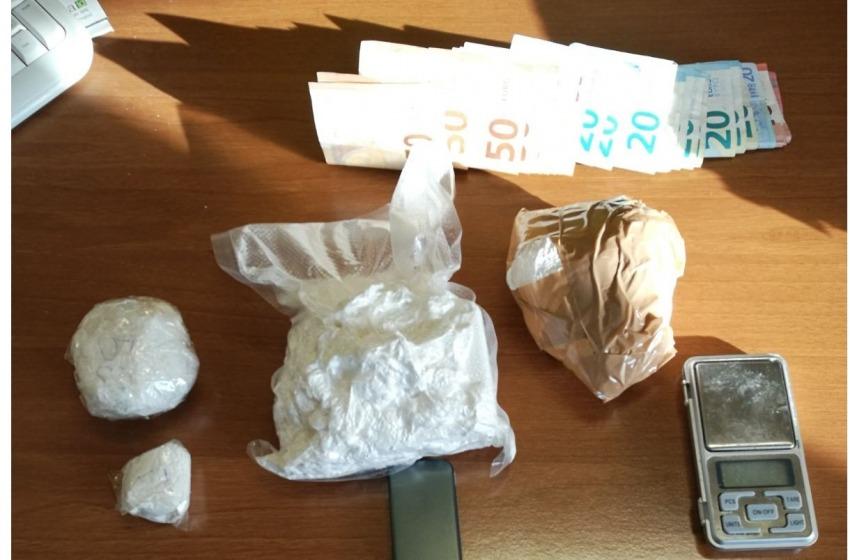 """Pusher della """"movida teramana"""" beccato con 750 grammi di cocaina"""