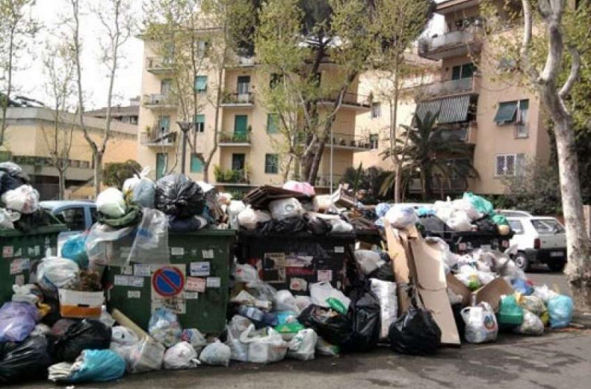 Abruzzo importa rifiuti dalla Capitale? L'assessore Montanari lancia appello facebook