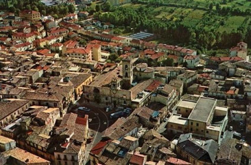 Sulmona: denunciato truffatore che si spacciava per finanziere e principe del foro