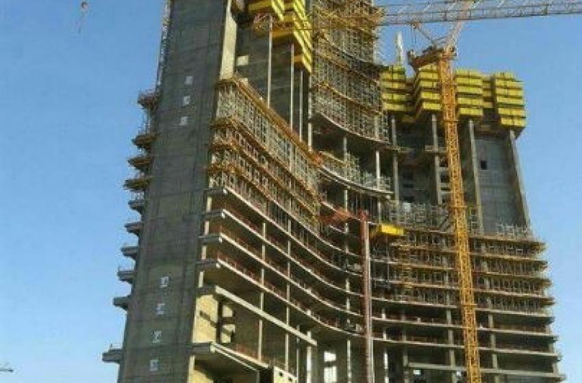 Jeddah a Dubai:la mia torre e' piu' alta della tua