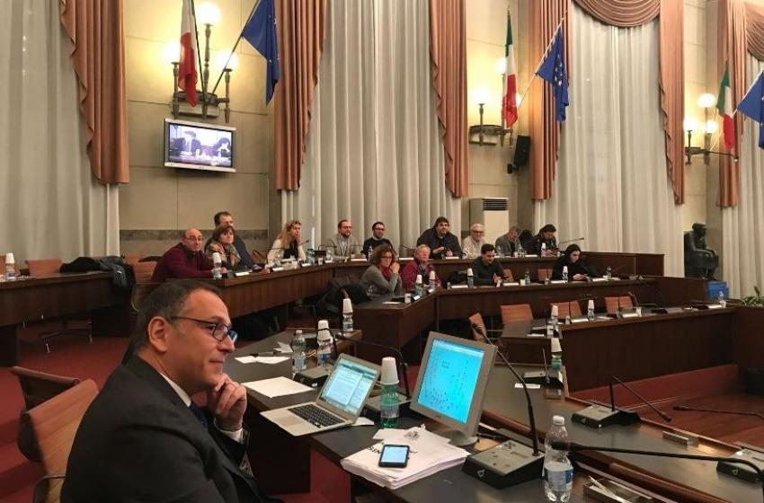 Pescara, dopo oltre 19 sedute il Consiglio approva il progetto del Mercato Etnico