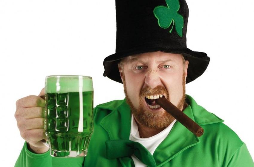Parate e barili di birra per Saint Patrick in USA
