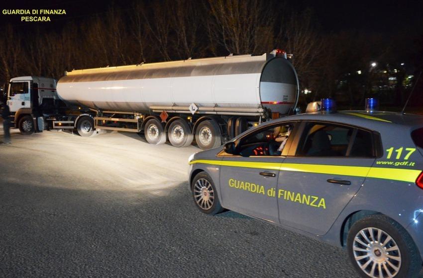 Contrabbando di gasolio dall'Est europa fino a Montesilvano. Due denunce