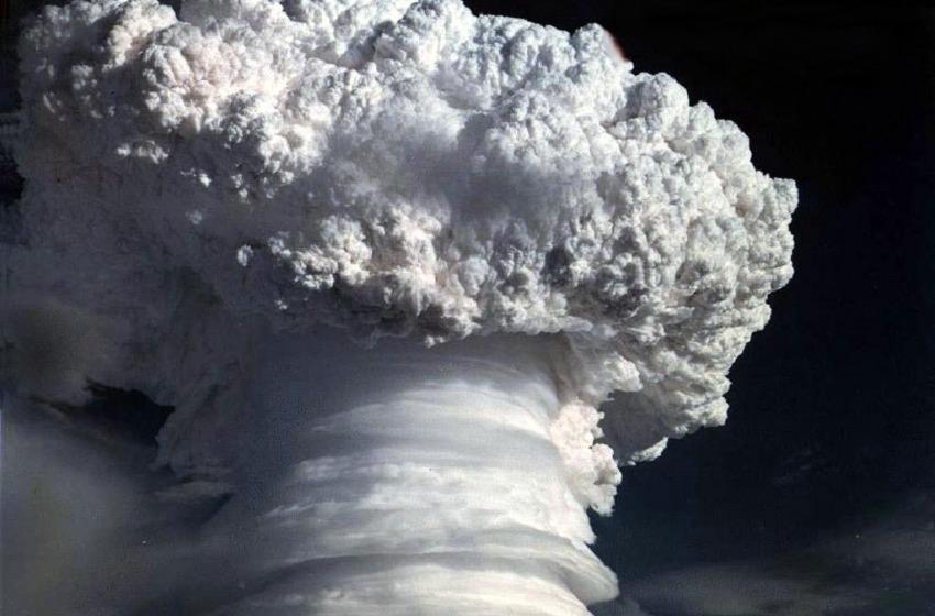 Per vendere giornali ci vuole la guerra atomica