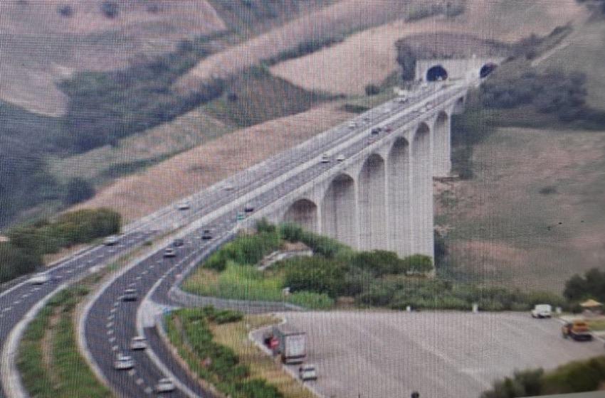 Autostrade A24 e A25 limitazioni al traffico dei mezzi pesanti su 87 viadotti