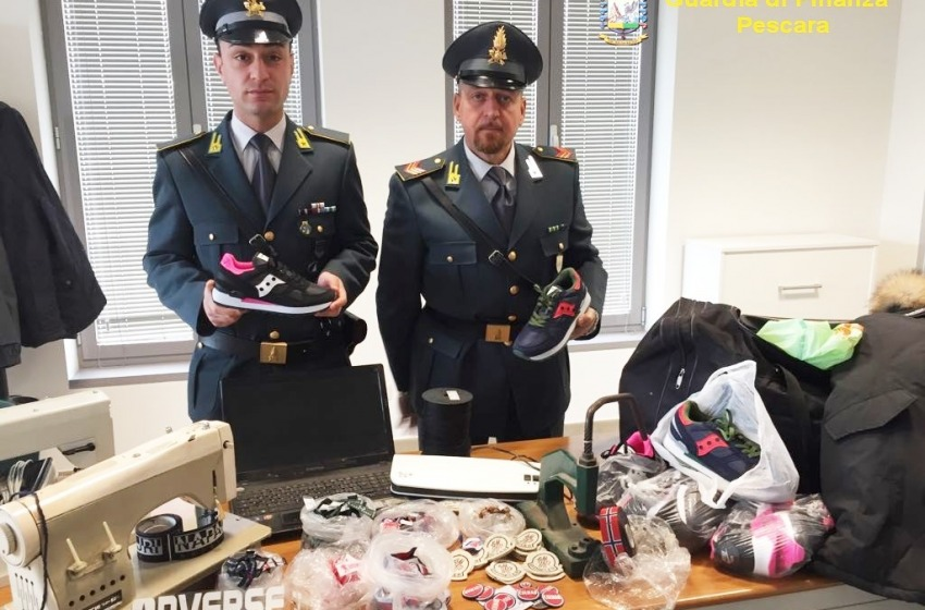 Arresti nel mondo della contraffazione. Sequestrate griffes false per 2,5 milioni