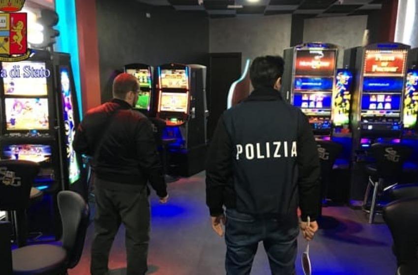 """""""Giochi e Scommesse"""": multe per 8mila euro nei locali con slot e videolottery"""
