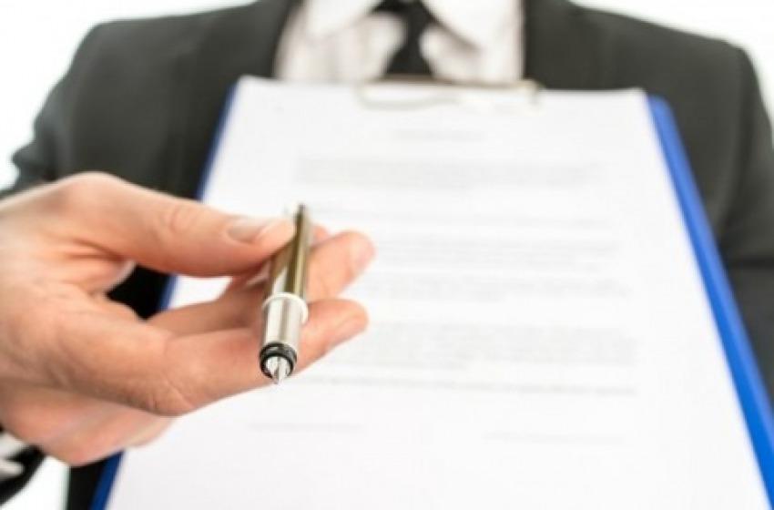 """Truffava persone in cerca di un lavoro: denunciato """"intermediario"""" dall'assunzione"""