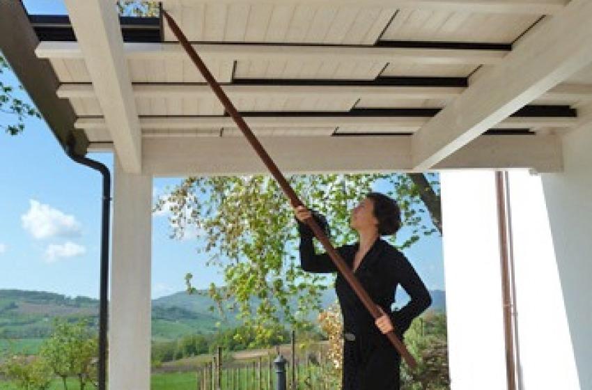 Pergola in legno addossata normativa e vantaggi