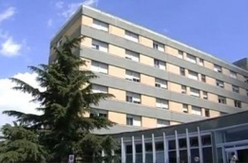 Litigio su prestiti e terreni finisce in ospedale. Usato acido muriatico per ferirsi