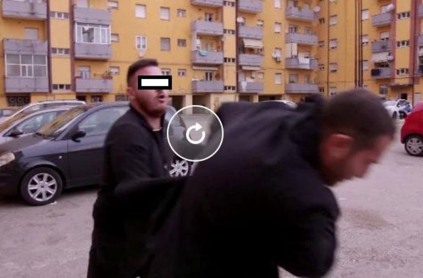 Daniele Piervincenzi e la troupe RAI aggrediti nella periferia di Pescara