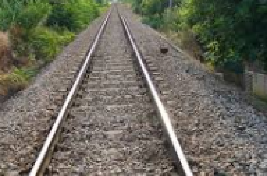 Francavilla al Mare: treno merci travolge e uccide una donna