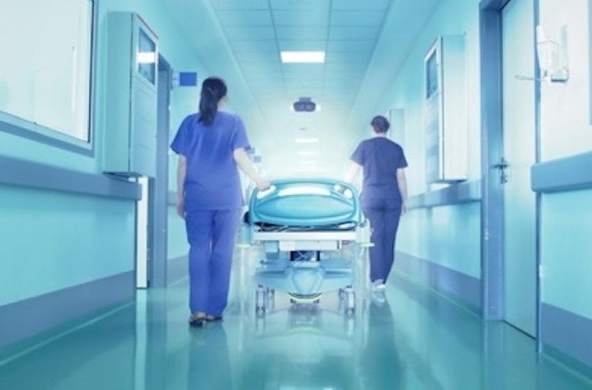 Coronavirus, contagi in calo ma c'e' la prima vittima tra gli operatori sanitari
