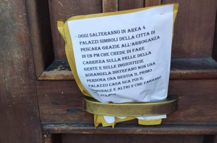 Allarme bombe a Pescara. Intervengono gli artificieri per far brillare i pacchi sospetti
