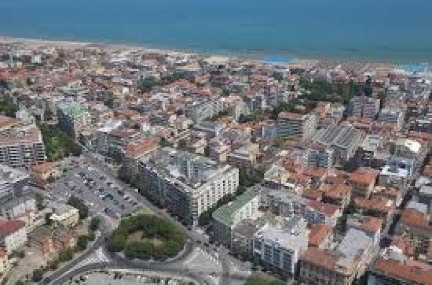 Abruzzo zona a rischio intermedio. Dalle 22 scatta il coprifuoco