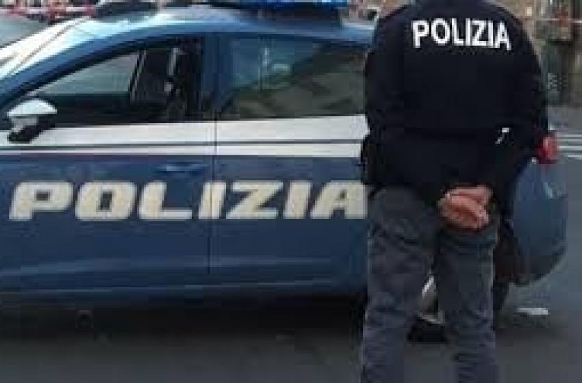 Pescara: bar multato e chiuso. Erano in 16 dentro senza mascherina