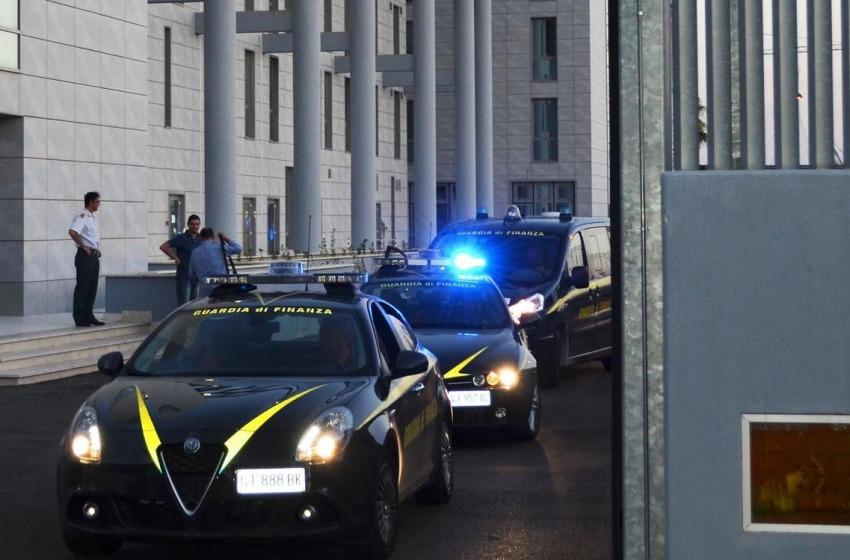 Corruzione e turbativa negli incanti: sequestrati 50mila euro, 11 indagati